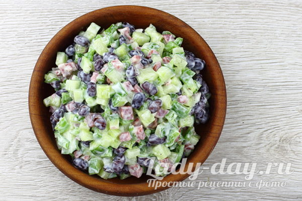 салат с фасолью и копченой колбасой рецепт с фото