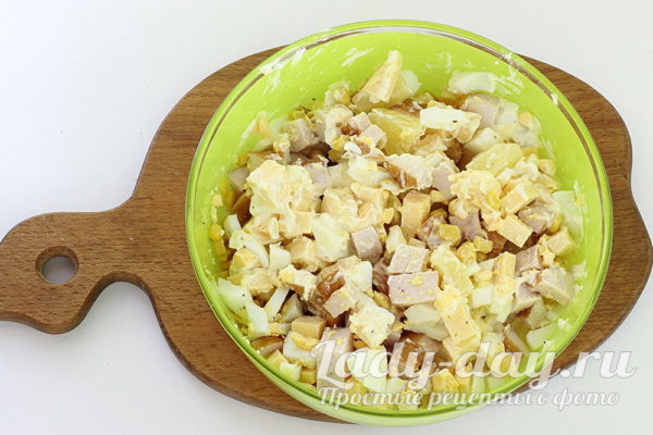 салат с копченой курицей и ананасом рецепт с фото