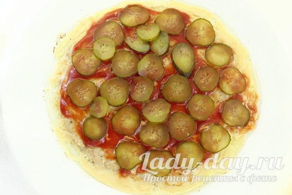 огурцы соленые на пицце