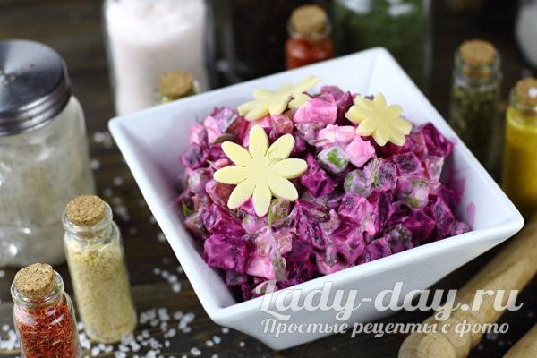 салат виолетта со свеклой и солеными огурцами рецепт