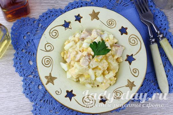 салат с копченой курицей и ананасом рецепт с фото очень вкусный