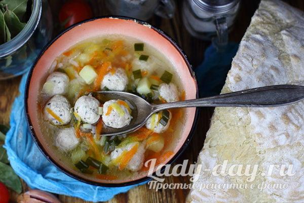 суп с фрикадельками с рисом