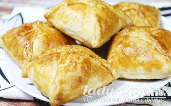 Пирожки с мясом из готового слоеного теста