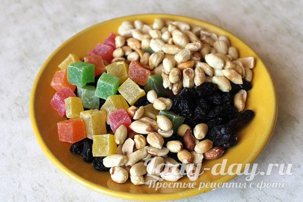 орехи и цукаты