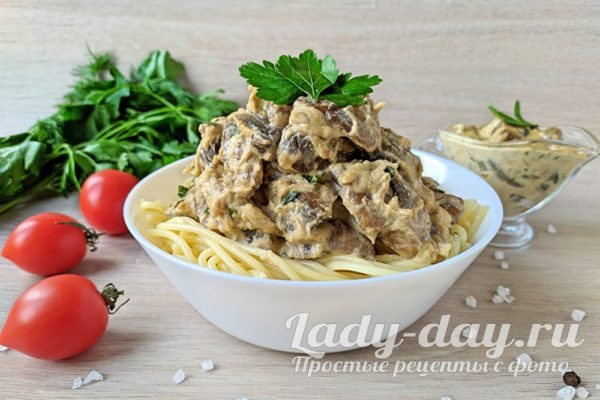 Готовим сливочно-грибной соус из шампиньонов, со сливками для спагетти
