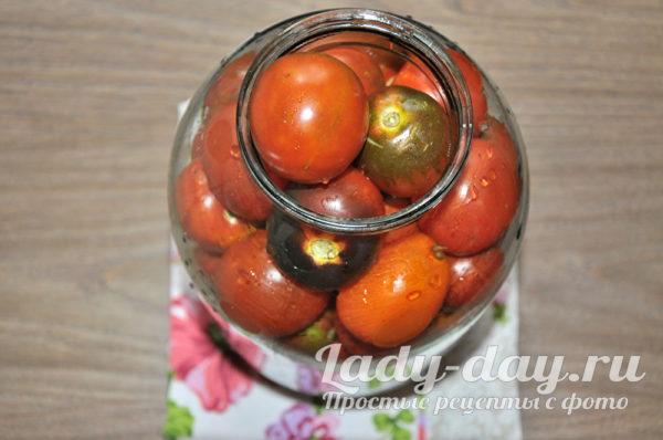 банка помидор