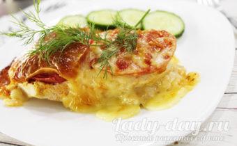 запеченная куриная грудка с помидорами и сыром в духовке