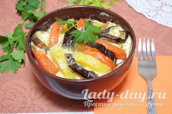 Запеканка из баклажанов с картошкой и помидорами в духовке