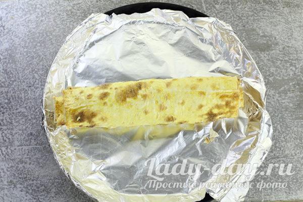 Мясной рулет из фарша с яйцом в духовке