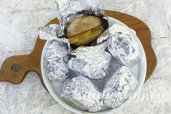 Очень вкусная картошка с салом в духовке
