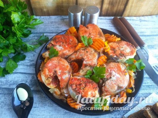 скумбрия в томате с луком и морковью