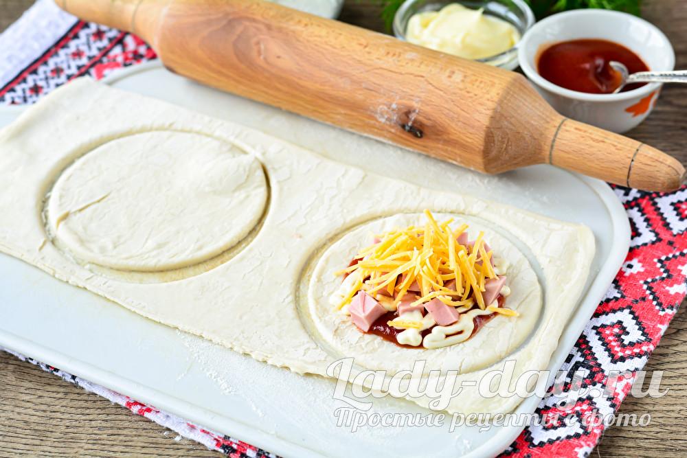 добавить сыр и колбасу