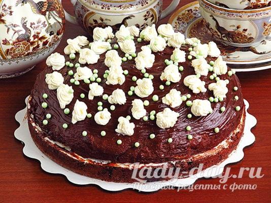 бисквитный торт с кремом из сгущенки и масла