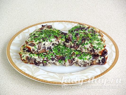Омлет с грибами и зеленым луком