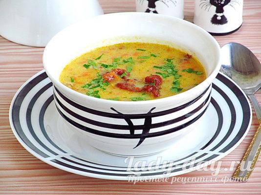 суп с копчеными ребрами и плавленным сыром