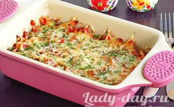 Кабачки с помидорами и сыром в духовке,