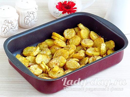 Рецепт запеченной молодой картошки в духовке с чесноком